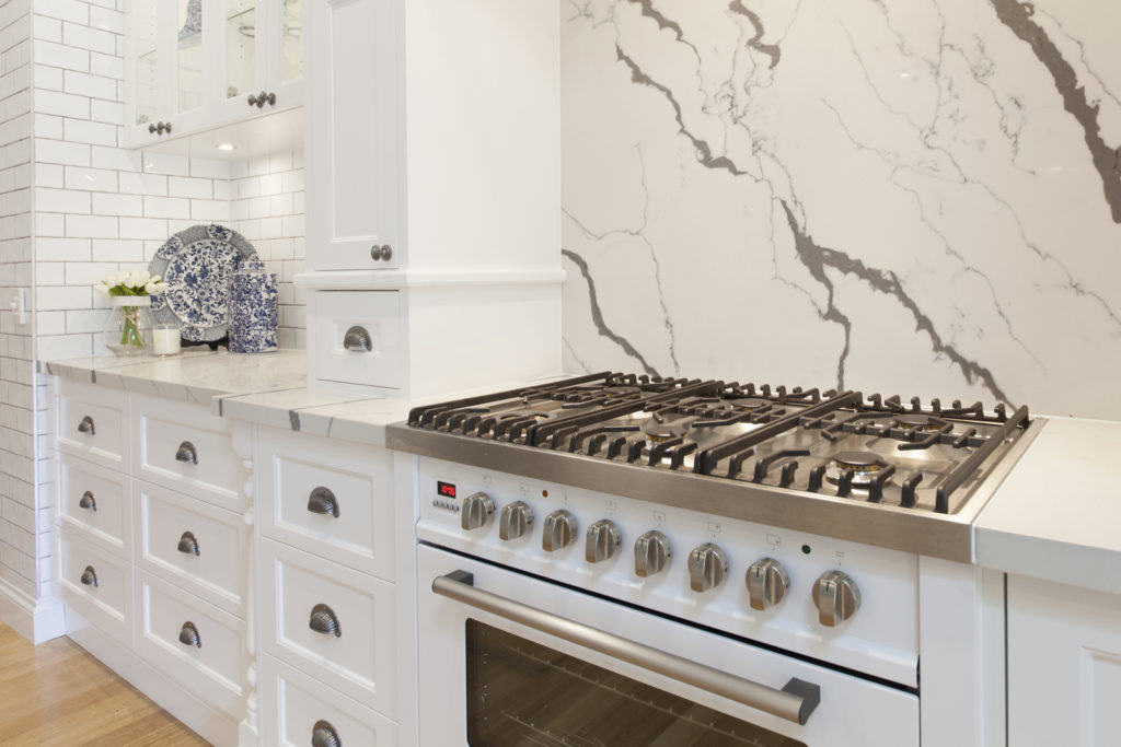 hamptons style kitchen ilve, villeroy and boch, delonghi, broadware