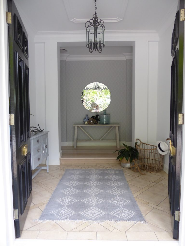 Entry Front Doors: Hamptons Style Front Door And Entry Interior